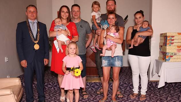 V Českých Velenicích se konalo vítání nově narozených dětí.