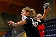 Hradecké házenkářky na domácím turnaji podlehly v souboji o třetí místo Ivančicím 20:25.