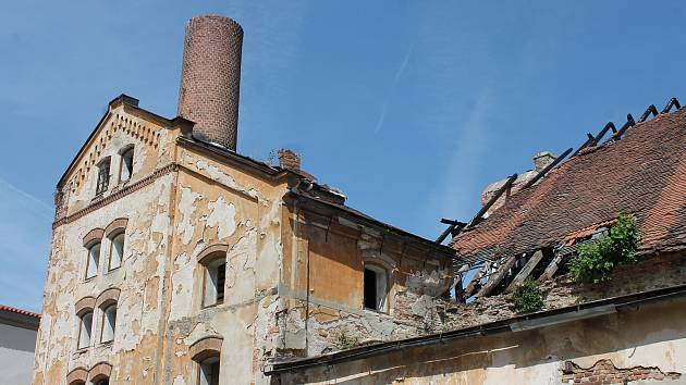 Záchrana vyhořelého zámeckého pivovaru bude pokračovat i v letošním roce.