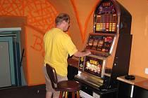 Pro milovníky hazardních her je na Jindřichohradecku příležitostí stále dost.