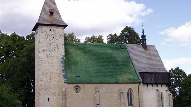 Kostel v Lidéřovicích na Dačicku.