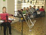 Netradiční prostředí nemocnice se stalo v Dačicích dějištěm koncertu žáků místní základní umělecké školy.