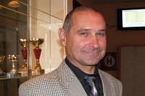 František Matoušek předal mládeži již řadu zkušeností. U příležitosti 30. výročí dačické střední školy vzpomínal i na svá studia.
