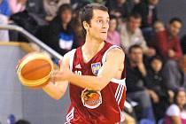Rozehrávač Jiří Holanda se po zranění vrátil do sestavy basketbalistů Lions a hned pomohl k vítězství nad Prostějovem 72:58.