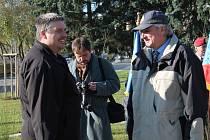 Kameraman a zároveň programový ředitel JHTV Pavel K. (vlevo) je jedním z pětice Čechů, kteří se před několika dny ztratili v Libanonu. Na snímku s archeologem Muzea Jindřichohradecka Vladislavem Burianem, s nímž se nedávno zúčastnil výpravy na Ukrajinu.