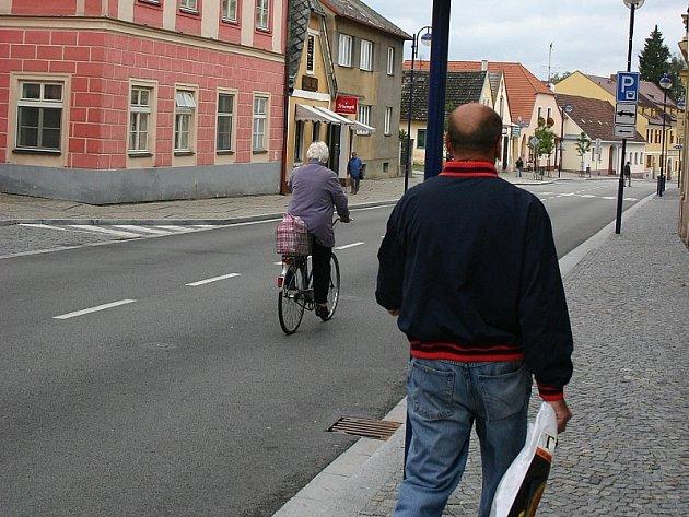 Růžová ulice v J. Hradci.