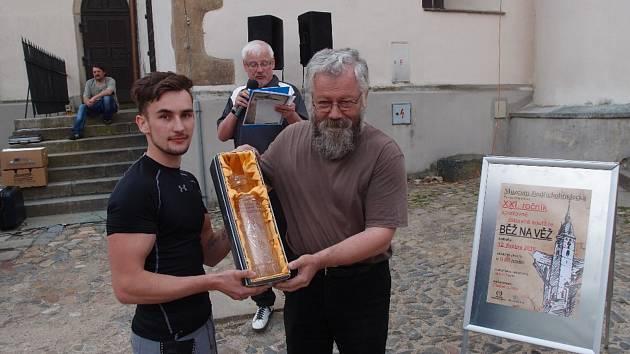 V Jindřichově Hradci se konal již 21. ročník závodu Běž na věž.