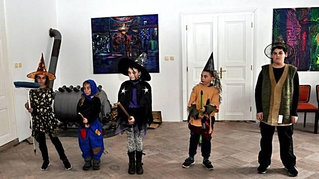 Na zámku Dobrohoř ve Starém Městě pod Landštejnem se konal Slet Čarodějnic s koncertem Jihočeské filharmonie a soutěžemi pro děti.