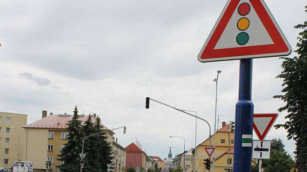 Křižovatka u nádraží v J. Hradci.