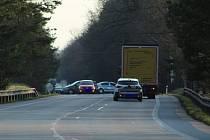 U Mláky na hlavním tahu z Jindřichova Hradce na Třeboň se ve čtvrtek večer stala tragická nehoda. Po střetu s autem zemřel cyklista.