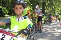 Pokus o rekord nejdelší dětské cyklistické kolony se nezdařil.