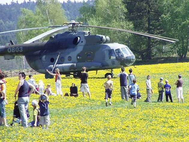 Před šedesátipěti lety se snesli parašutisté v Ořechově u Telče.