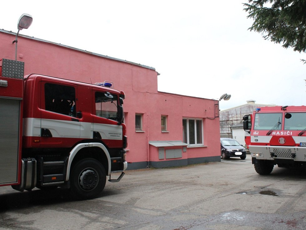 Požár haly na výrobu bramborových lupínků v Děbolíně.