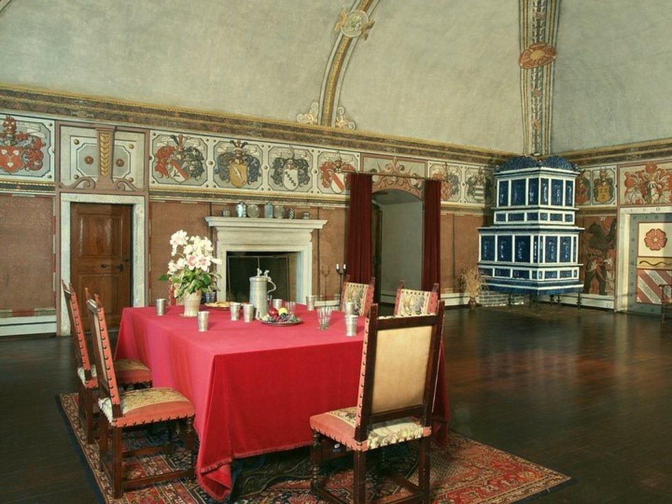 Ke kulatému jubileu připravila správa jindřichohradeckého zámku ve spolupráci s městem a pobočkou Státního oblastního archivu v Třeboni několik akcí.