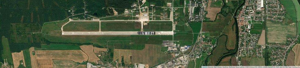 Jaké místo by obří kontejnerová loď Ever Given zabrala na budějovickém letišti?