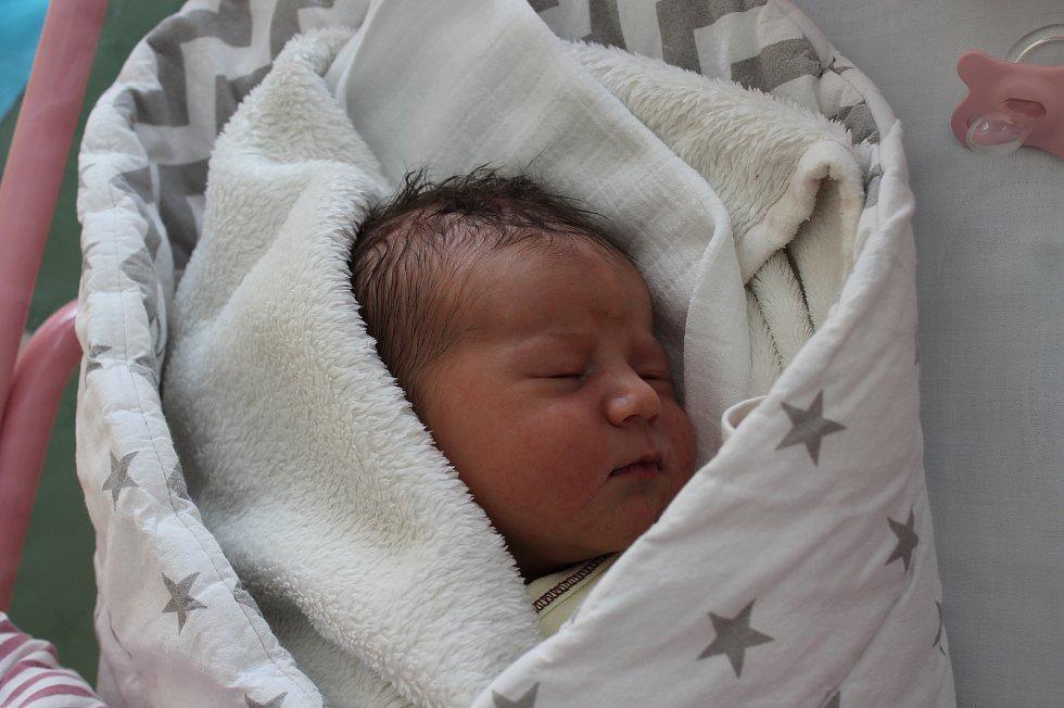 Eliška Kněžínková, Jindřichův Hradec.Narodila se 7. dubna Adéle a Petru Kněžínkovým, vážila 3 660 gramů a měřila 51 centimetrů.