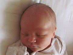 Sam Aljančič se narodil 27. srpna Petře a Tomášovi Aljančičovým z Hradiště. Vážil 3360 gramů a měřil 50 centimetrů .