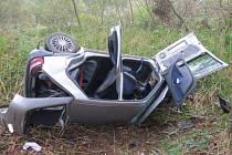 Při dopravní nehodě u Člunku se vážně zranila řidička.