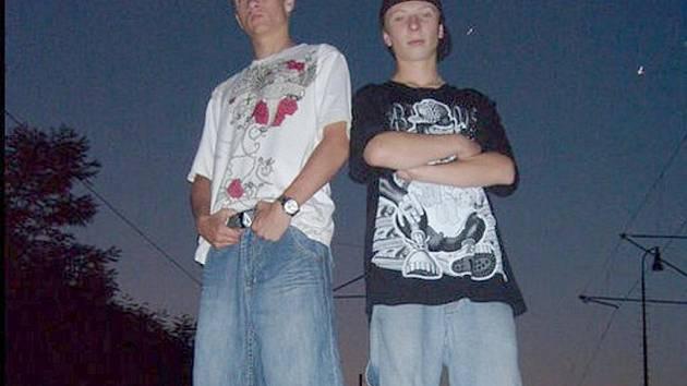 . Rap je společnou zábavou Tomáše Loskota a Davida Víta, společně vystupují a říkají si Červená sedma.