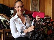 Své kabelky přinesla do redakce Jindřichohradeckého deníku také Melánie Labudová z Nové Bystřice.