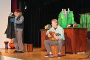 V kulturním domě Koruna v Nové Bystřici se pravidelně konají divadelní představení.
