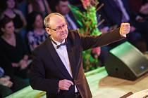 Šéfdirigent Big Bandu Gustava Broma Vladimír Valovič.