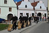 Tradice velikonočních průvodů v Třeboni.