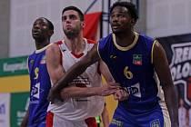 Basketbalistům Jindřichova Hradce vstup do nové sezony v roli nováčka KNBL nevyšel a po pěti kolech stále čekají na vítězství.