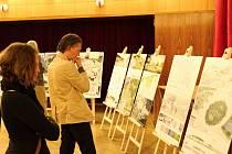 Výstava soutěžních návrhů na řešení příjezdových a vstupních prostor do lázeňského domu.