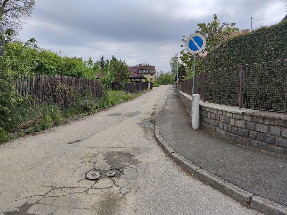 V bytovce v Dolním Skrýchově u Jindřichova Hradce byla zavražděna žena.