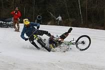Fourcross snow slalom ovládl sjezdovku.