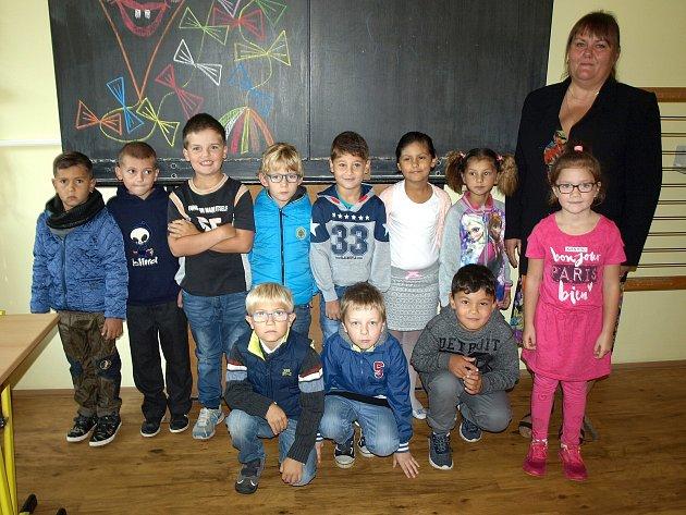 Žáci zprvního ročníku ze základní školy vRapšachu.