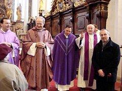 Návštěva z Říma v třeboňském kostele.