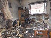 Požár domu v Jindřichově Hradci v Bratrské ulici způsobila zapálená svíčka na adventním věnci.