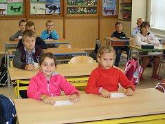 První školní den v ZŠ Na Sadech v Třeboni - 2. A..