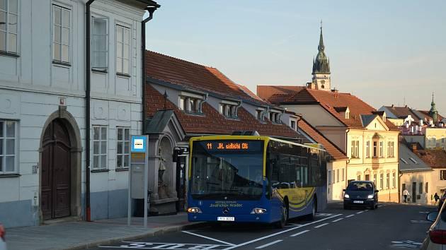 Slavnostní otevření zrekonstruované Václavské ulice se konalo v pondělí 14. září v půl osmé ráno.