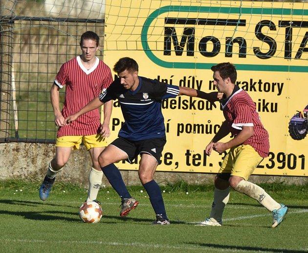 Fotbalisté Nové Včelnice prohráli v souboji nováčků na půdě Dražic 0:1.