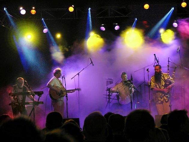 Skotská kapela Battlefield Band bude největší hvězdou festivalu.