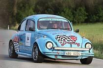 Do 11. ročníku Radouňské rallye odstartovalo 107 vozů, 40 jich však dvoudenní motoristické klání nedokončilo.