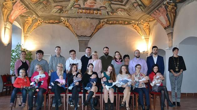 V první skupině byly přivítány tyto děti: Havlová Alžběta, Hofbauerová Štěpánka, Beranová Barbora, Gabrhel Tayler, Hakenová Ráchel, Havlíček Josef, Hrabě Tobiáš a Kopeček Lukáš.