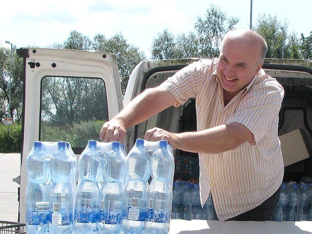 Martin Fousek vezl pomoc na sever.