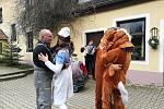V sobotu se v maškarním průvodu v Lužnici sešlo 27 masek.