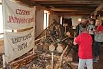 V zámeckém mlýně v Jindřichově Hradci se otevřela expozice lesnictví a rybníkářství na Jindřichohradecku. Novým exponátem je pramen vorů.