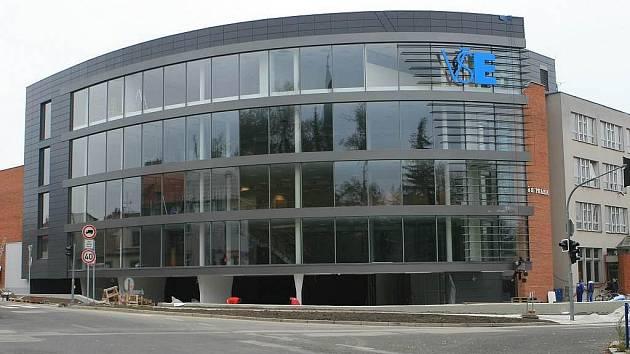 Pohled na novou podobu budovy fakulty v J. Hradci.