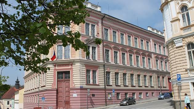 V letošním roce se opravovalo také na druhé základní škole v Hradci.