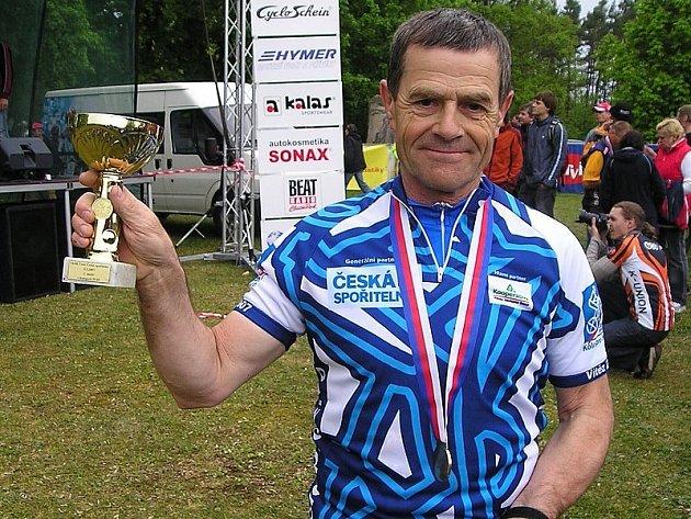 TITUL. Nejvýraznějšího úspěchu v letošní sezoně docílil Rudolf Hronza, který se stal mistrem republiky v půlmaratonu