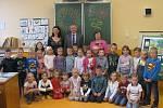 Prvňáčci ze základní školy v Nové Včelnici.