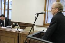 Filatelista Zdeněk Mazura z Příbramska, který je obžalovaná z krádeží v archivech,  vypovídal u soudu.