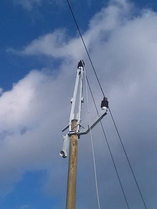 Dílo orkánu Sabine na lince vysokého napětí mezi Studenou a Jilmen na Jindřichohradecku.