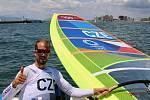 Surfař Karel Lavický obsadil na OH v Tokiu 22. příčku v třídě RS:X.